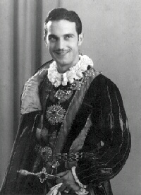 In costume del conte di Mantova (Rigoletto)