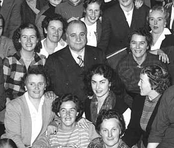 Beniamino Gigli with some members of the Amsterdam Opera Choir - 1955